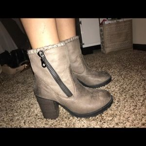 Shoes - Taupe sweater heeled boots